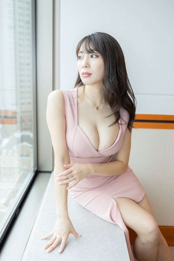 日本一エロいグラドル森咲智美「口移しされたと思って、お酒を一緒にグビッと飲んでほしいです」【独占告白2/3】【画像43枚】の画像
