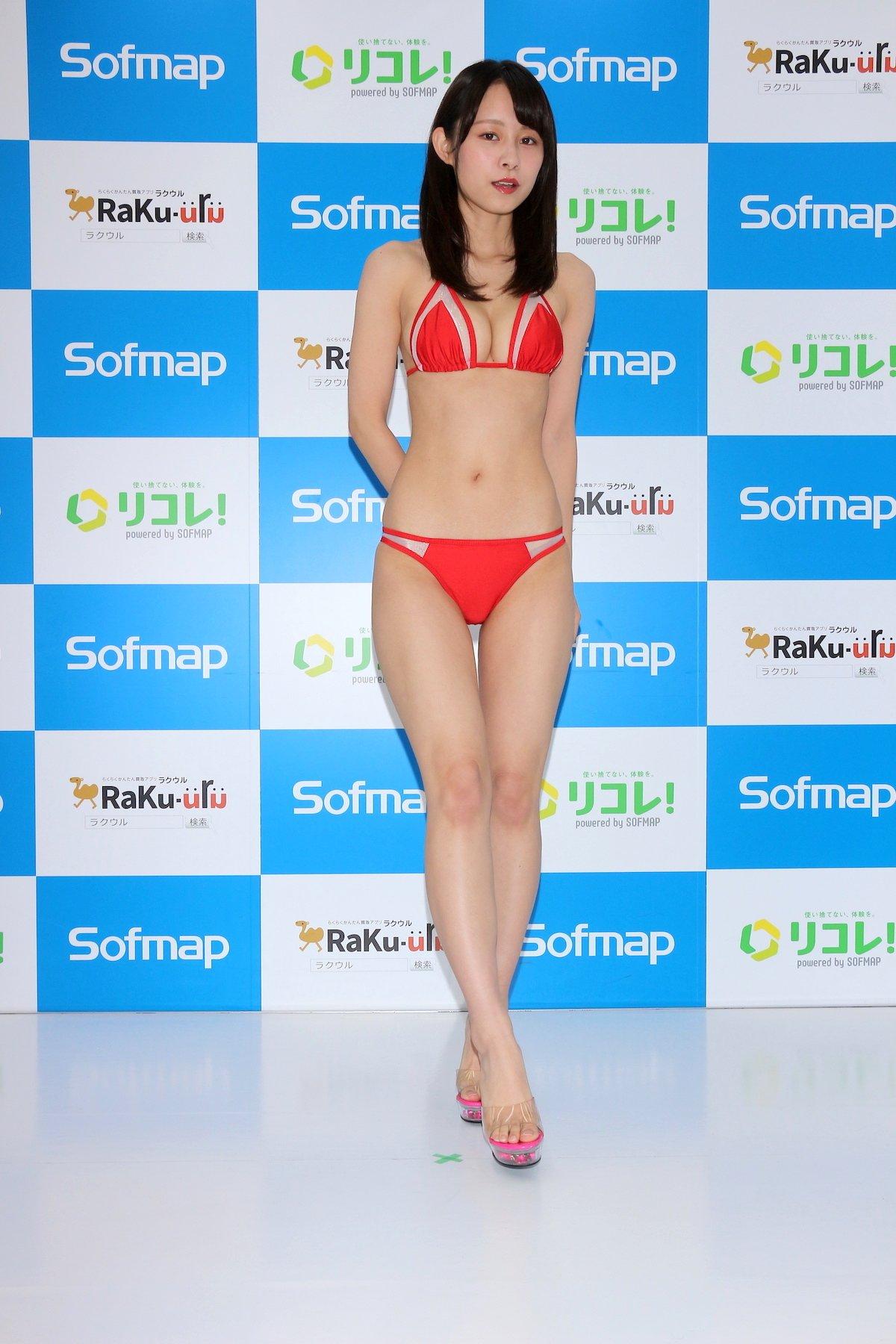 桜木美涼「Y字バランスに挑戦」意外とできちゃった【画像55枚】の画像003
