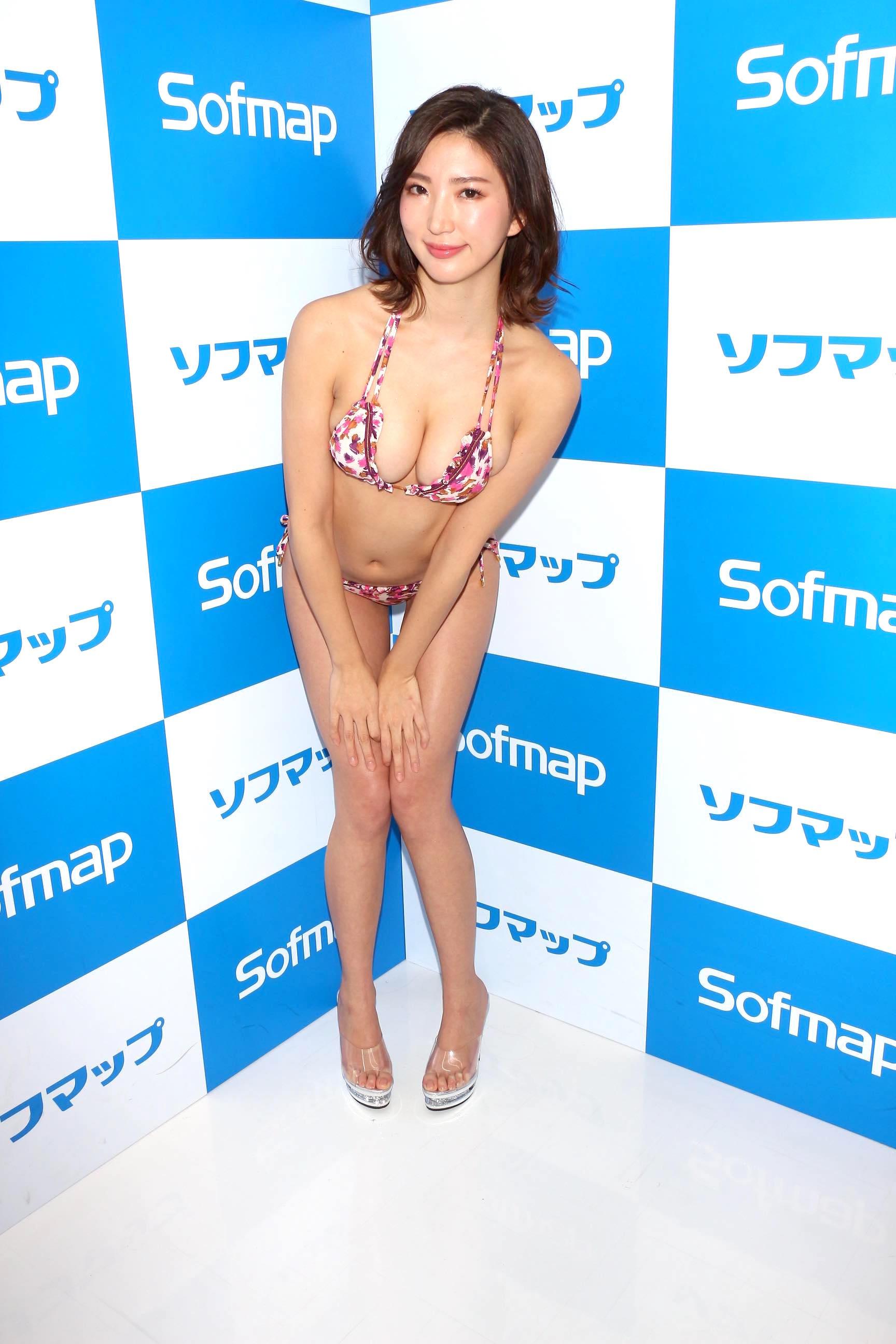 松嶋えいみ「ニップレスがはがれる」赤面ハプニングを大胆告白【写真21枚】の画像010