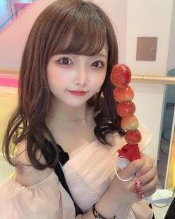元NMB48植村梓「ぺろぺろした」セクシーな肩出しファッションにファン歓喜!の画像