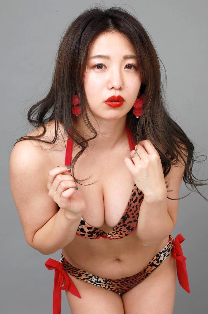 高田千尋「セクシーすぎる女芸人」の女豹ビキニ姿が妖艶!【写真19枚】の画像009