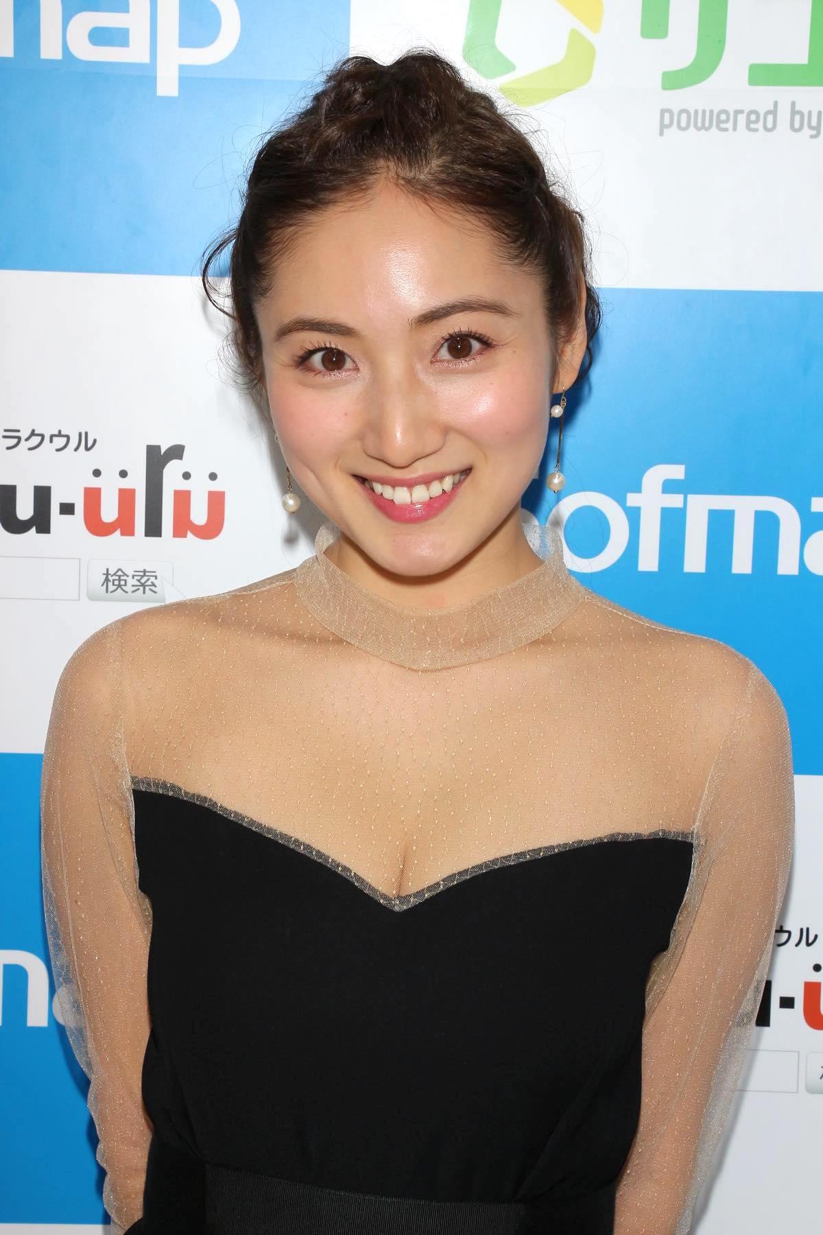 紗綾のグラビア水着ビキニ画像0010