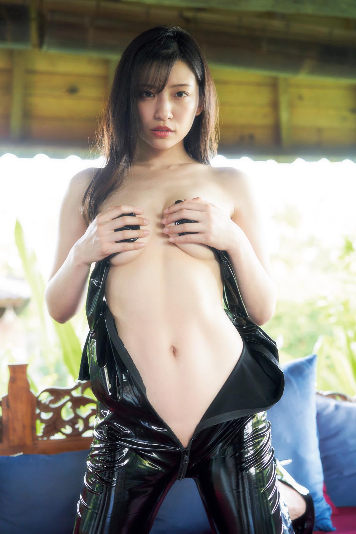 佐野マリア「ほぼ生まれたまま」大胆すぎる入浴姿【写真7枚】の画像006