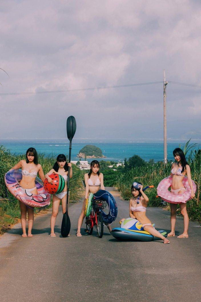 #ババババンビがビキニで集結!『B.L.T』のアザーカットを大公開!【画像2枚】の画像
