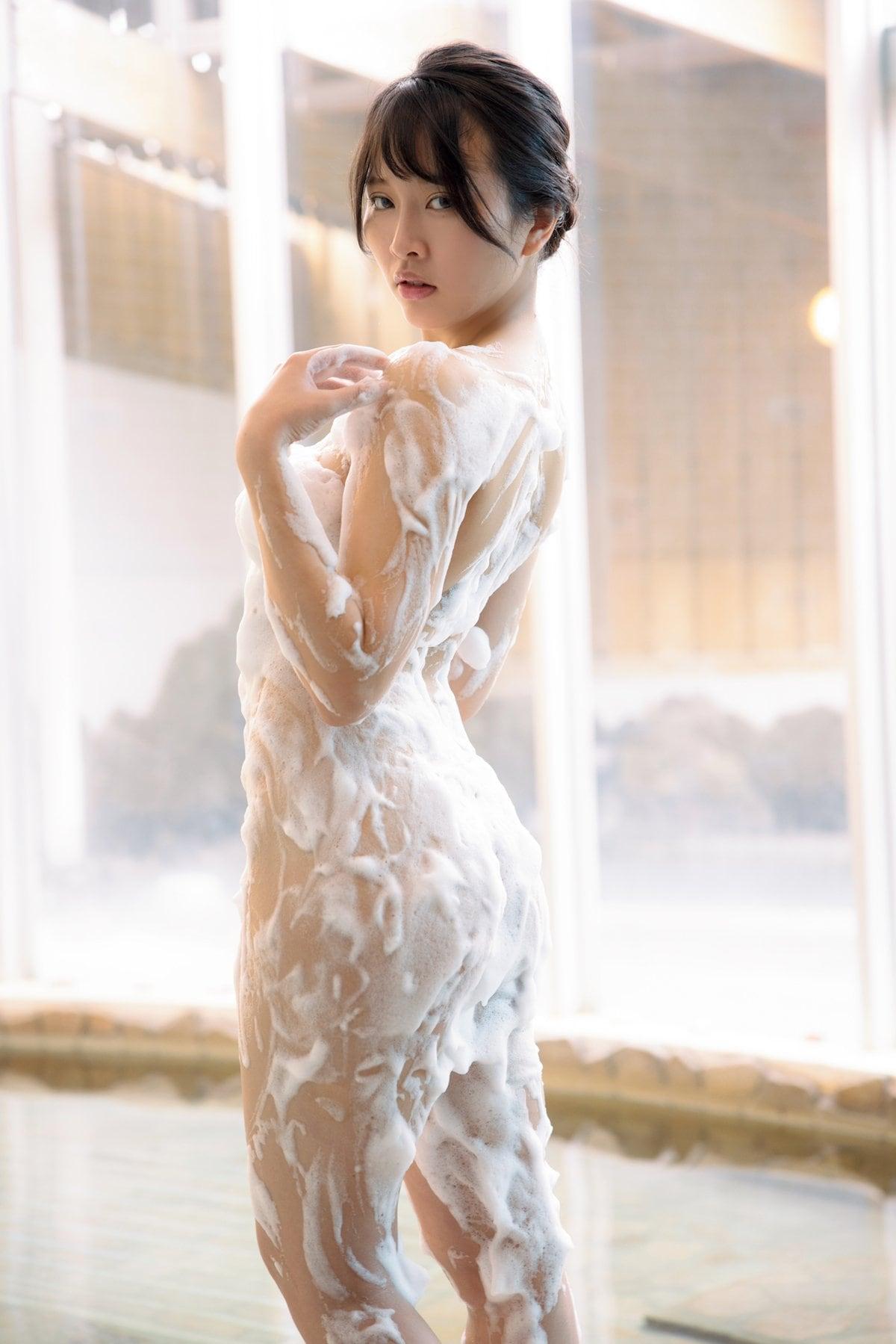 橋本ひかり「ヒモはいらないの」手ブラで露出度の限界に挑戦【画像9枚】の画像006