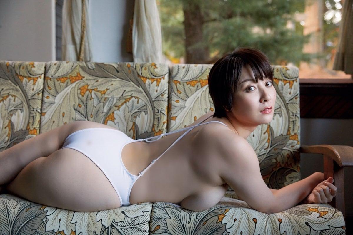 紺野栞「むちむちボディ」飛び出しそうな3Dバストをお届け!【画像10枚】の画像006