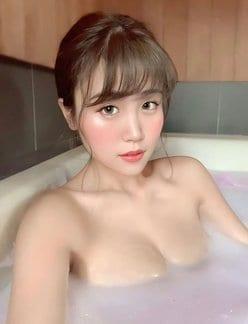 サイバー軍団HARUKA「湯船に浮かぶバズーカ乳」キケンな入浴タイムの画像