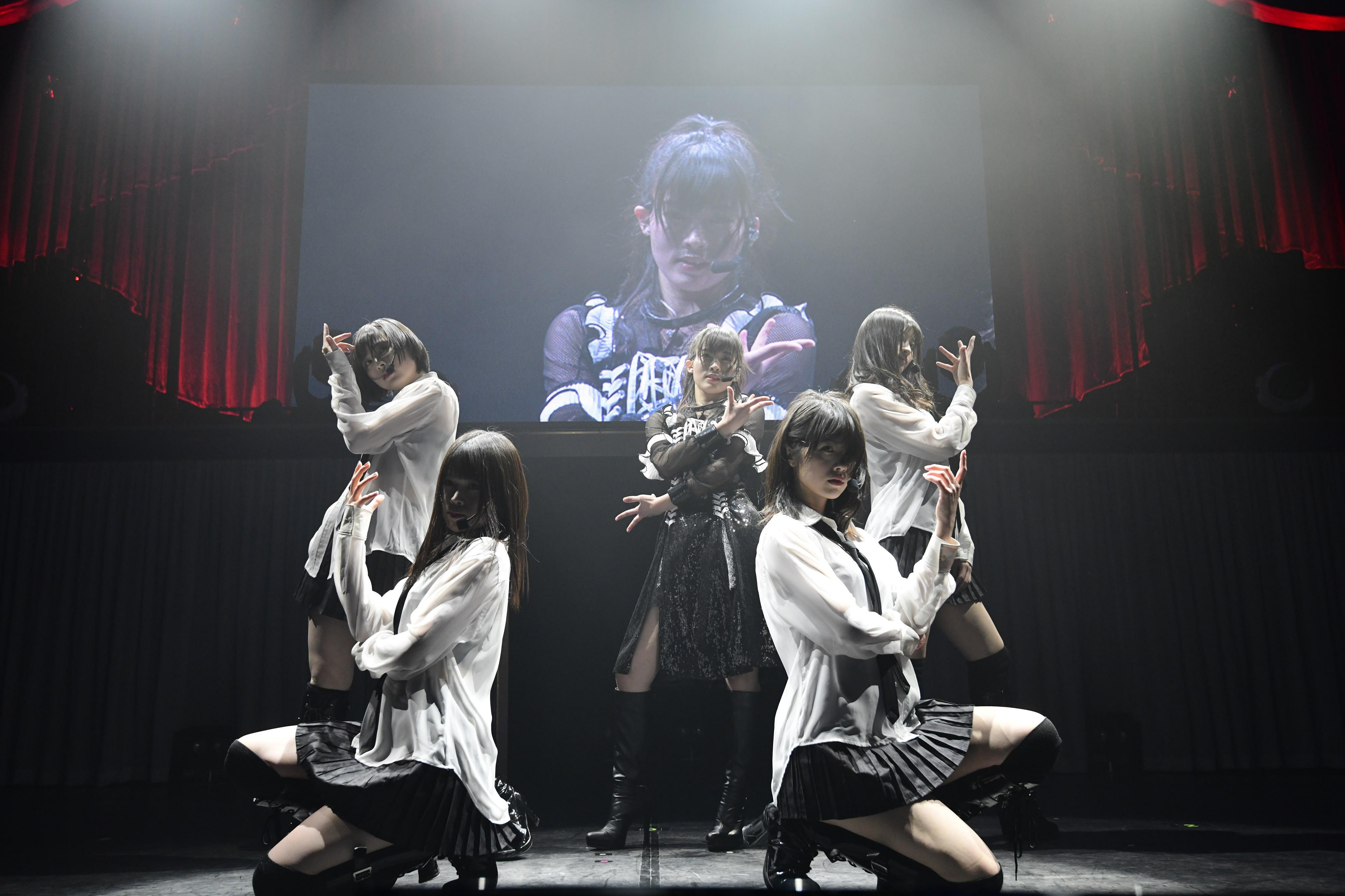 AKB48岡部麟、ソロコンサートに小嶋陽菜がサプライズ登場!【写真10枚】の画像007