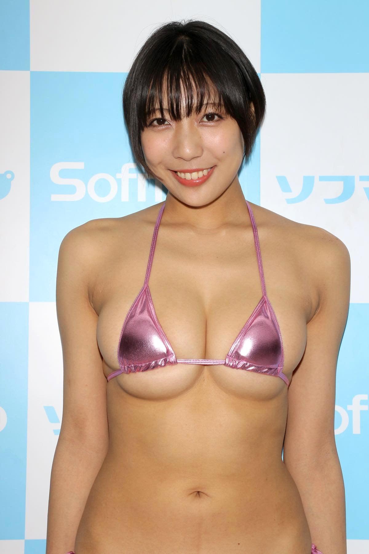 麻倉まりなのグラビア水着ビキニ画像007
