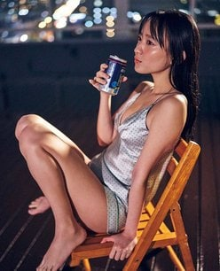 高崎かなみ「酔って開放的に!?」無防備なルームウェア姿の画像