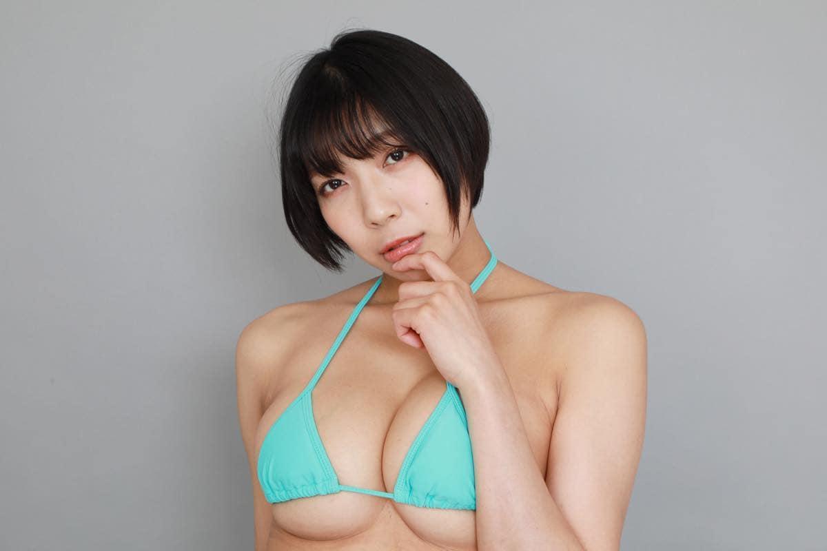 麻倉まりな「ライブでは乳を出していないのでグラビア感は出してないです」の画像051