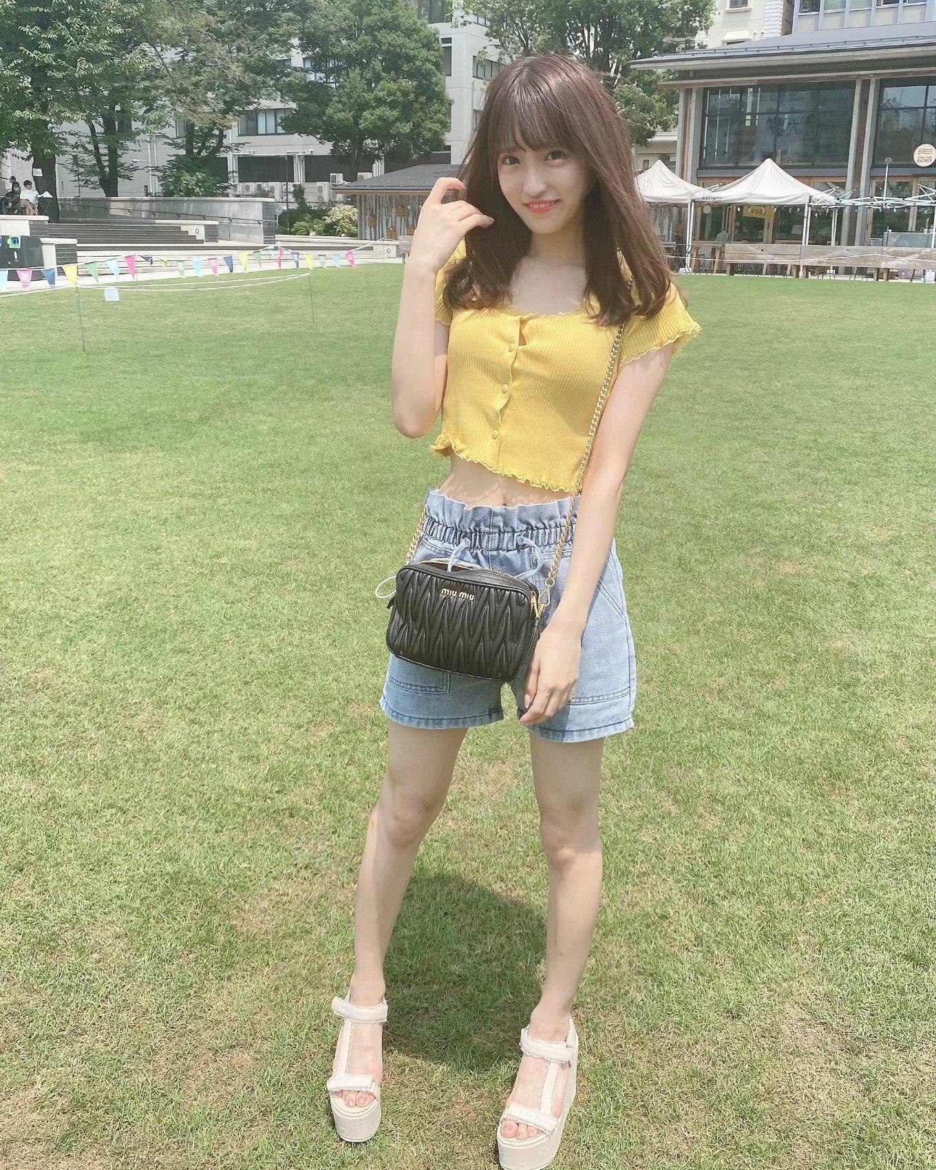 SKE48研究生森平莉子「可愛いへそチラ」スリムなボディにファン歓喜【写真2枚】の画像002
