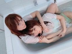 十味「桃月なしことビショ濡れ!」イチャつきぶりにドキドキ【写真2枚】の画像