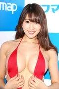 森咲智美「下乳も横乳も谷間も」超Vレグで全開に!【写真21枚】の画像006