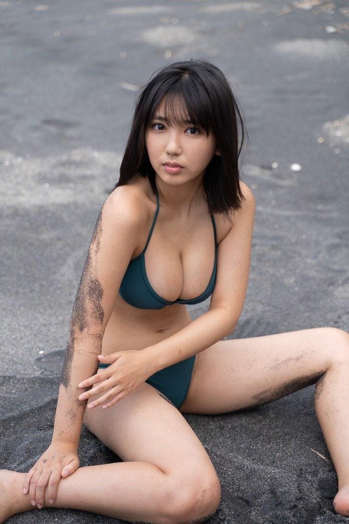 沢口愛華「童顔巨乳とモデル体型のいいとこ取り!」でらかわいすぎる令和のグラビア女王【画像4枚】の画像001