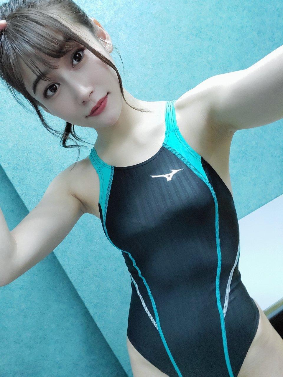 元HKT48江藤彩也香「えっちな競泳水着に興奮!」撮影会の成功をファンに感謝【画像2枚】の画像001