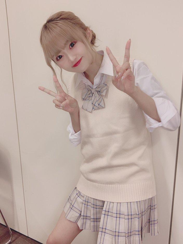 NGT48中井りか「美脚チラで可愛い」学生服姿をTikTokでも大量投下!【画像4枚】の画像