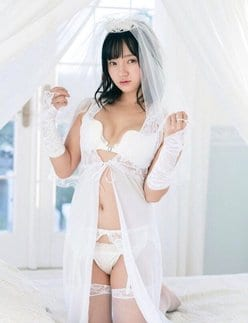 """""""ちっぱい娘""""西永彩奈「えちえちな花嫁衣装」しなやかボディで求愛【画像2枚】の画像"""