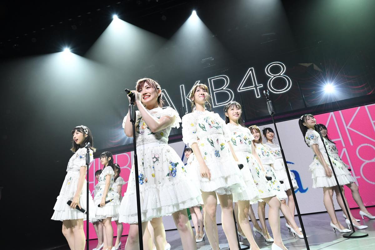 AKB48追加公演で「台風15号被災者への募金」を呼びかける【写真12枚】の画像012