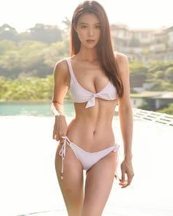 キャスリン・リー「マレーシアの美ボディセレブ!」どの写真が好き?ファンに問いかけ【画像3枚】の画像