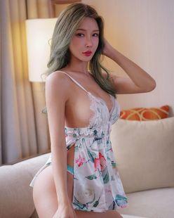 ガティタ・ヤン「裸エプロン風のギリギリ横乳!」妖艶な美スタイルにファン「このシリーズマジで好き」【画像3枚】の画像