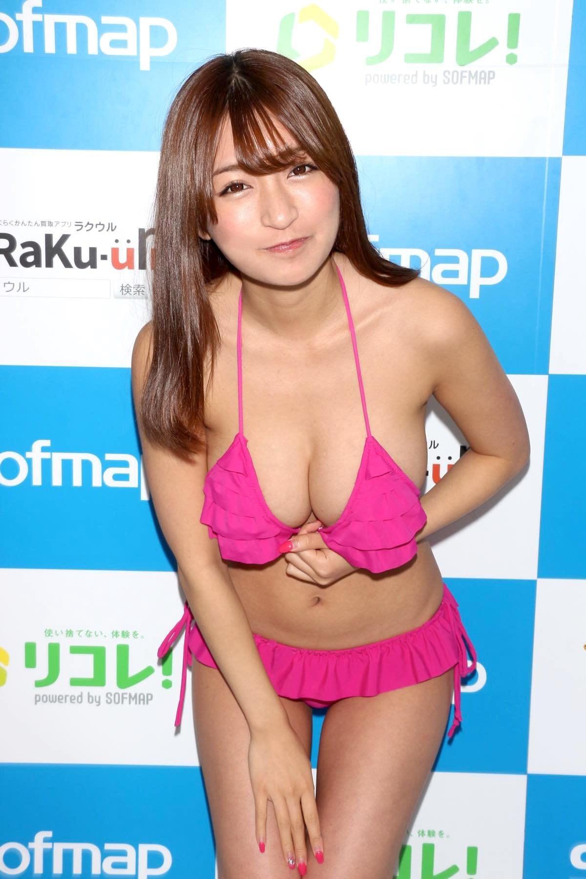 ☆HOSHINO「シャツがどんどん透けちゃう」エプロンはほぼ裸!【写真35枚】の画像018