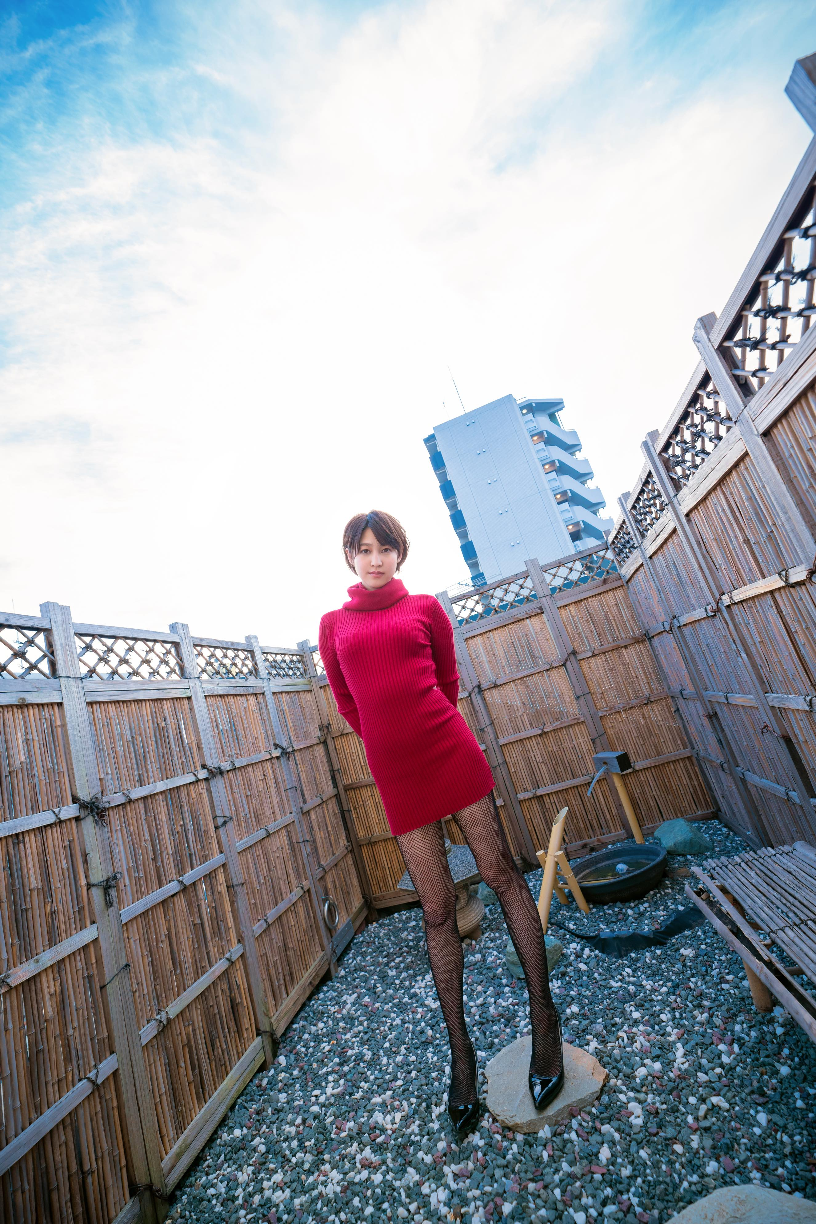 小柳歩「セクシー家庭教師」が年下男子と禁断の関係に?【写真11枚】の画像003
