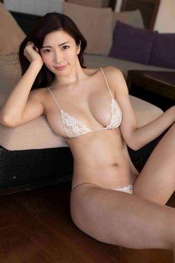 """""""ミラクル神ボディ""""松嶋えいみ「溢れ出る美バスト」くびれもセクシーの画像"""