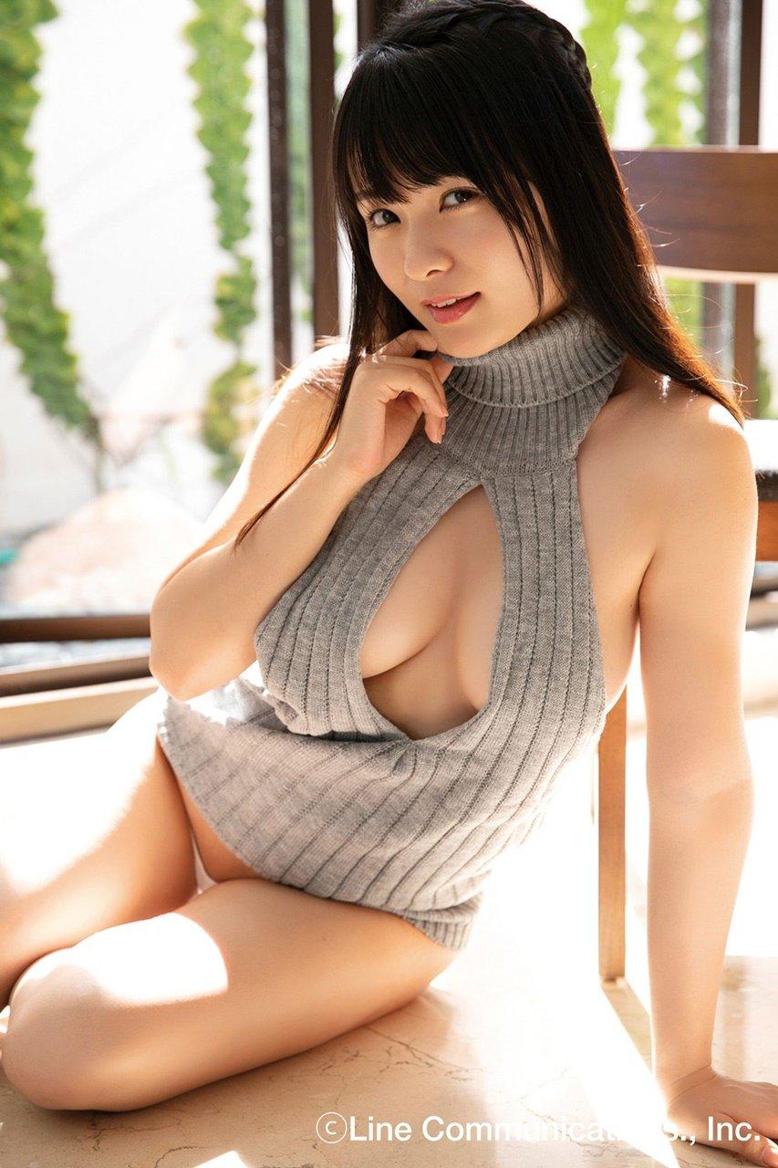 【動画付き】グラビアアイドル・星名美津紀が自身のDVD『色恋』を観ながらテレまくる!の画像008