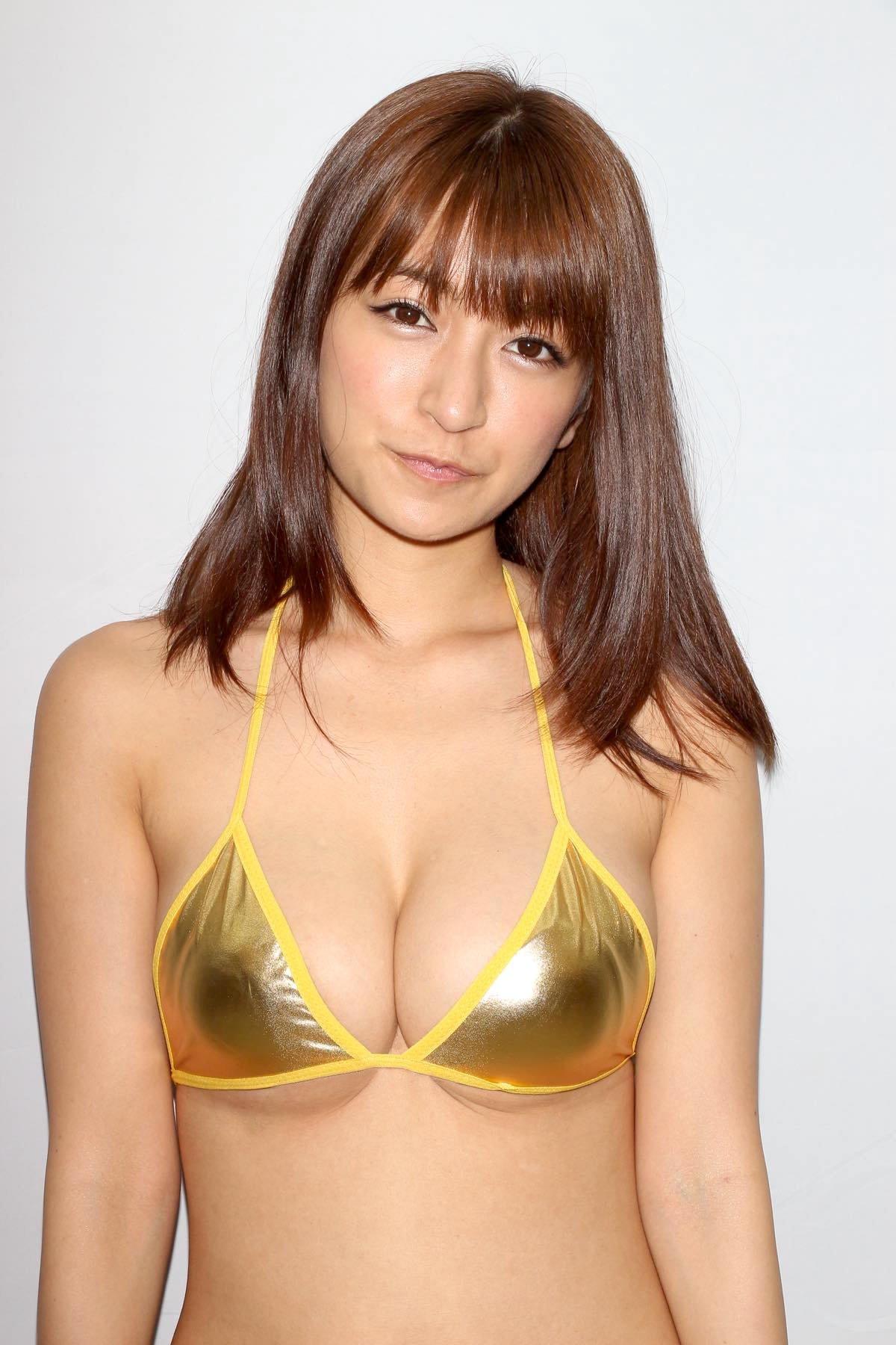 ☆HOSHINO「色気がダダ漏れ」衝撃的セクシーさで攻める!【写真25枚】の画像008