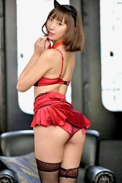 日向葵衣「大きなお尻をフリフリ!」癒し系Gカップ娘が神プロポーションで誘惑【画像2枚】の画像