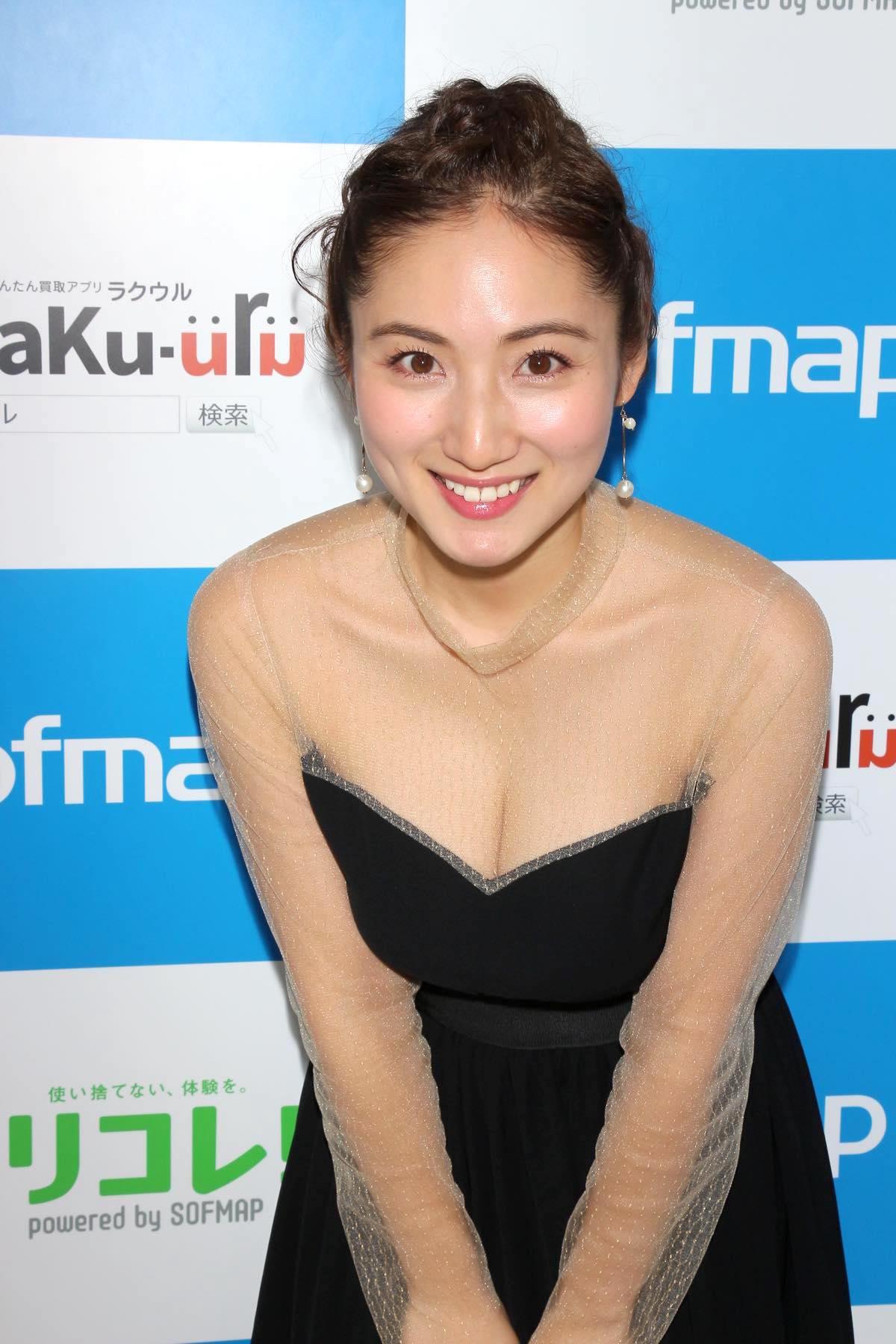 紗綾のグラビア水着ビキニ画像0023