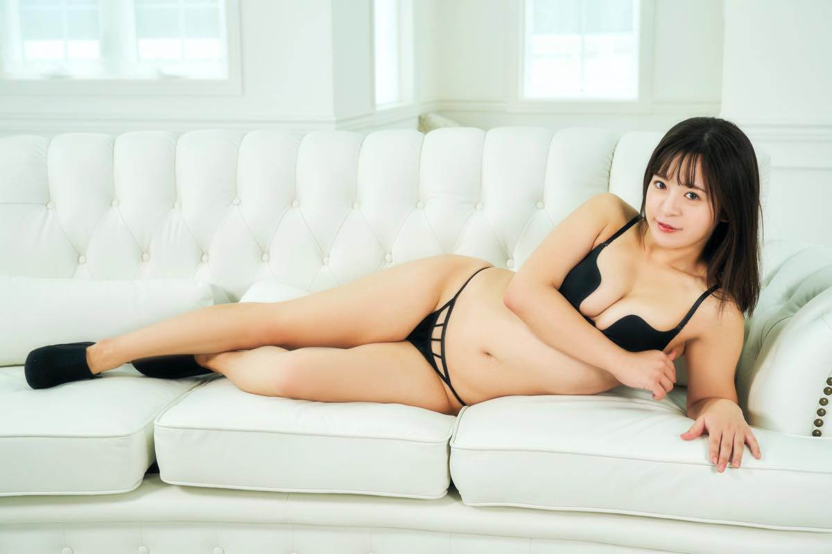 松田つかさのグラビア水着ビキニ画像10
