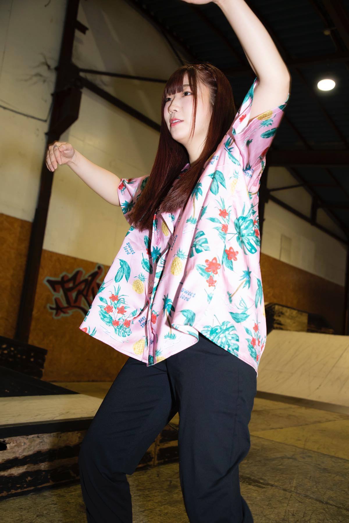 米田みいな「初めてのインラインスケートでなぜかにゃんこスターのモノマネ!?」【写真37枚】【連載】ラストアイドルのすっぴん!vol.21の画像019