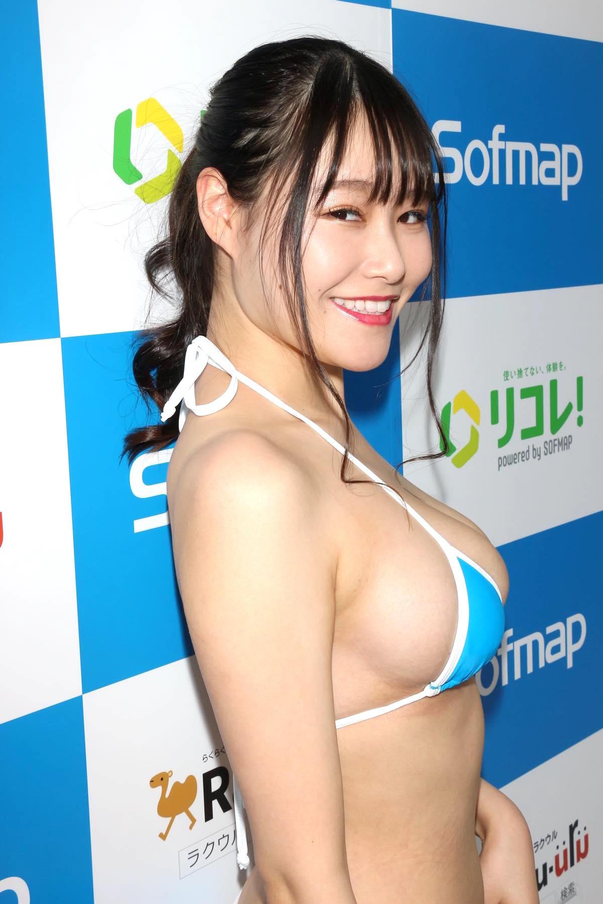 東坂みゆ「ロケット爆乳」がダンスで揺れて弾ける!【写真42枚】の画像016