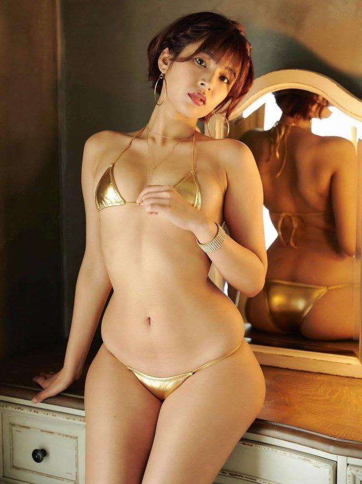 """""""ハーフ美女""""藤井マリー「黄金に輝く100cm尻を見て!」圧倒的なプロポーションの画像"""
