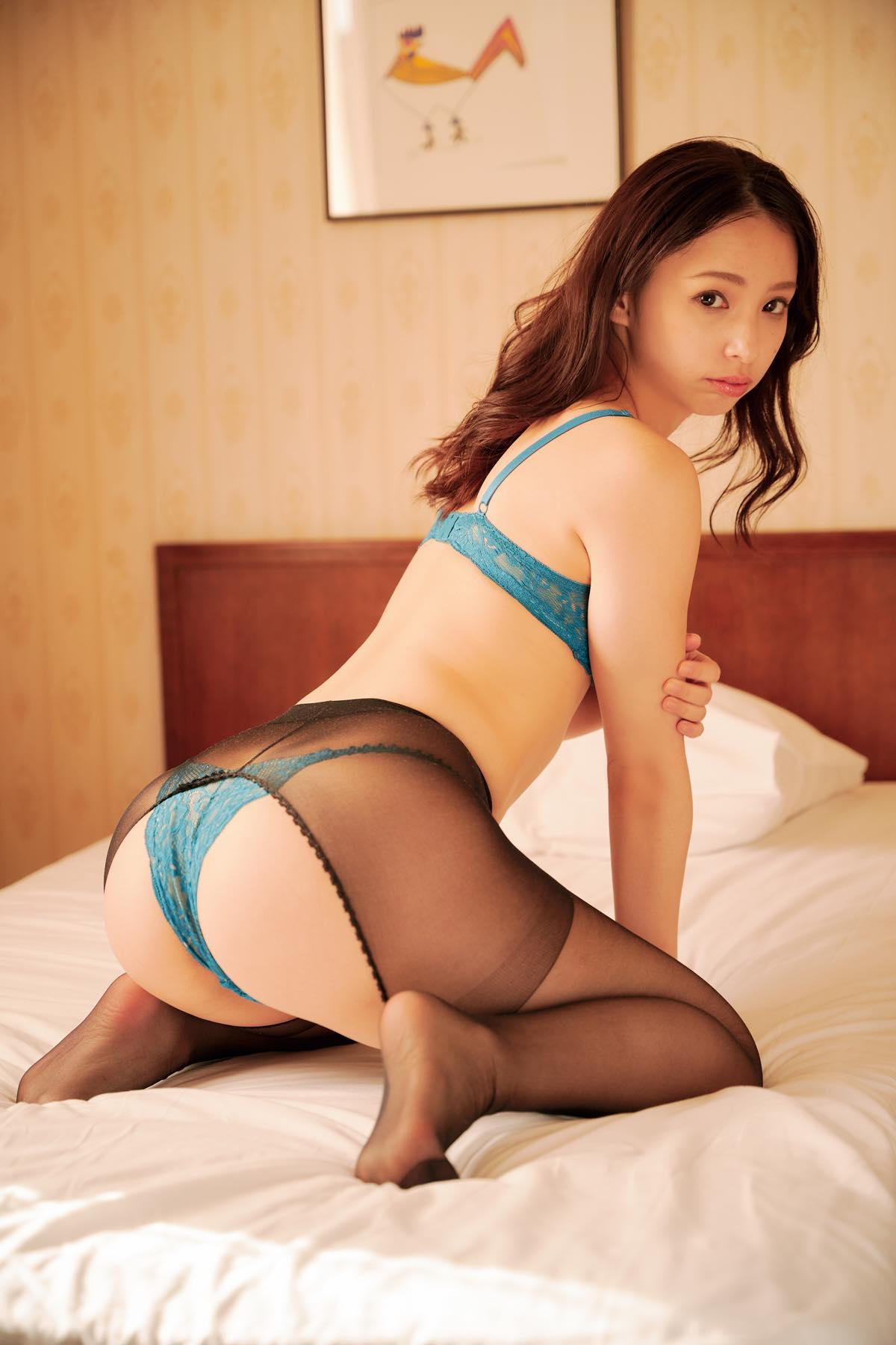 鶴巻星奈「えっちなお尻が魅力」くびれのカーブも絶品!【画像12枚】の画像011