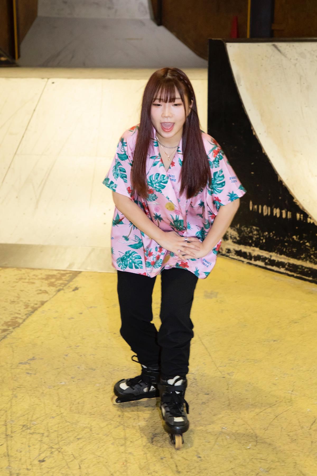 米田みいな「初めてのインラインスケートでなぜかにゃんこスターのモノマネ!?」【写真37枚】【連載】ラストアイドルのすっぴん!vol.21の画像022