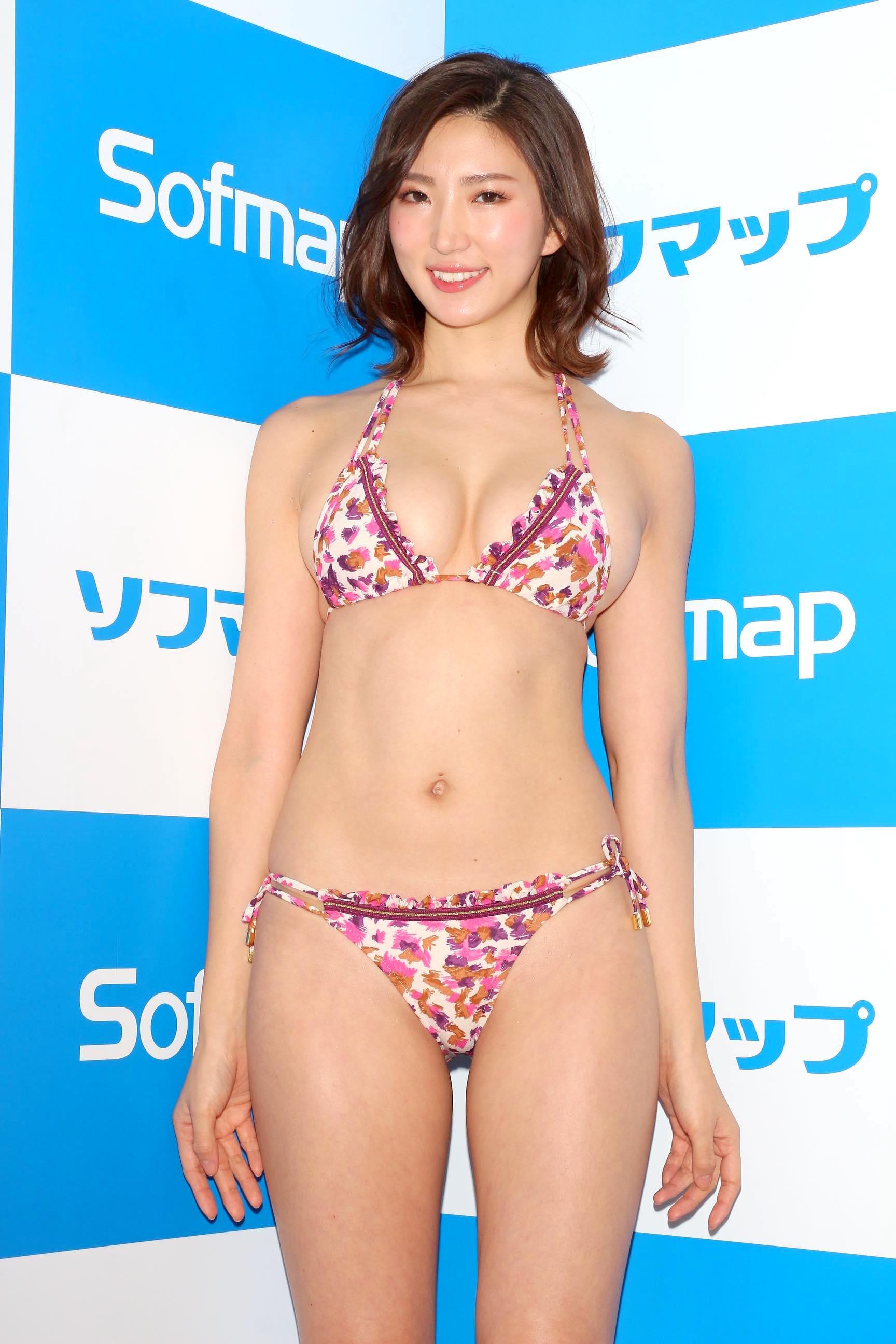 松嶋えいみ「ニップレスがはがれる」赤面ハプニングを大胆告白【写真21枚】の画像002