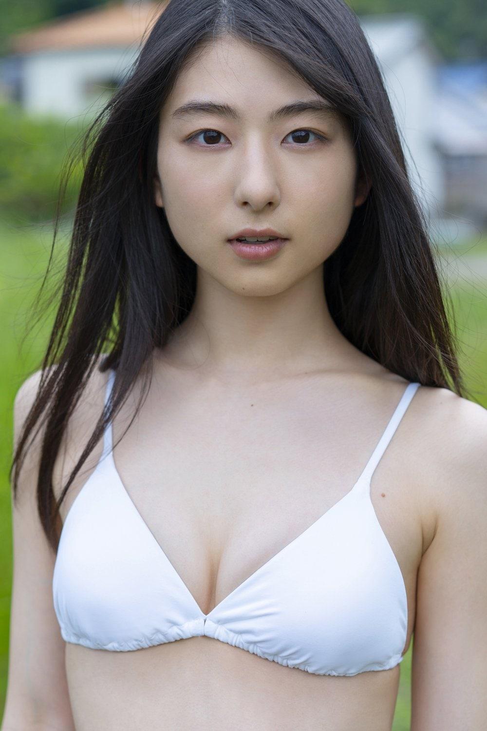 『べしゃり暮らし』出演の女優・川村海乃、人生初のビキニ姿をお披露目!【写真4枚】の画像001