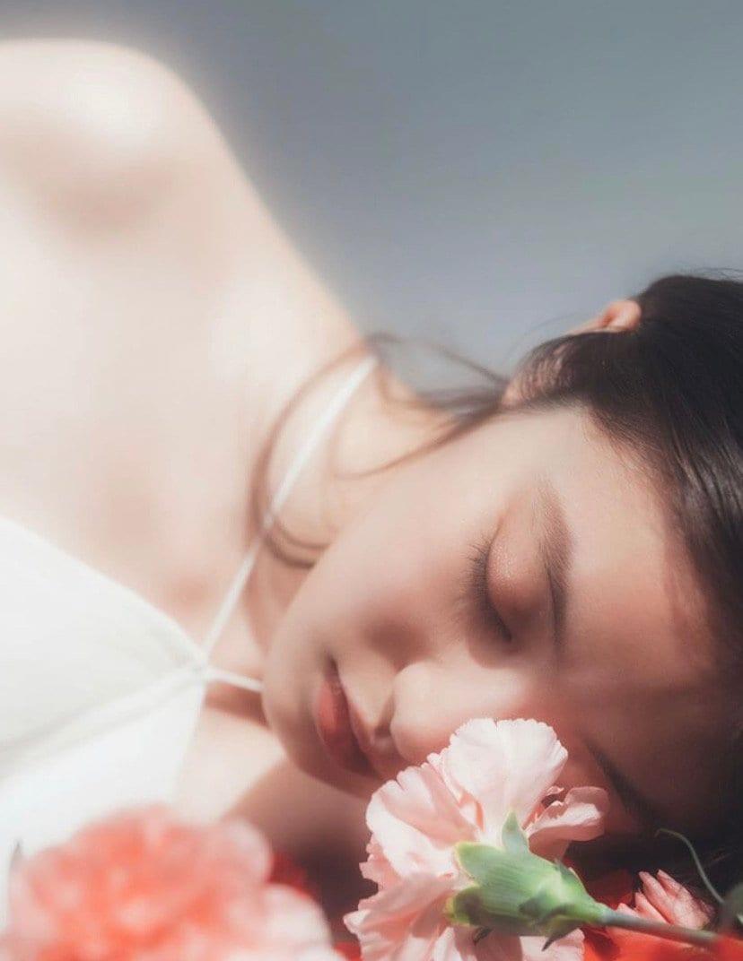 今田美桜「スベスベふとももと美谷間」アートのような透明感ボディ【画像3枚】の画像003