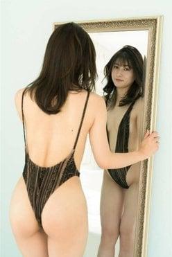元HKT48江藤彩也香「いいおしりの日」セクシーな厳選バックショットを披露【画像4枚】の画像