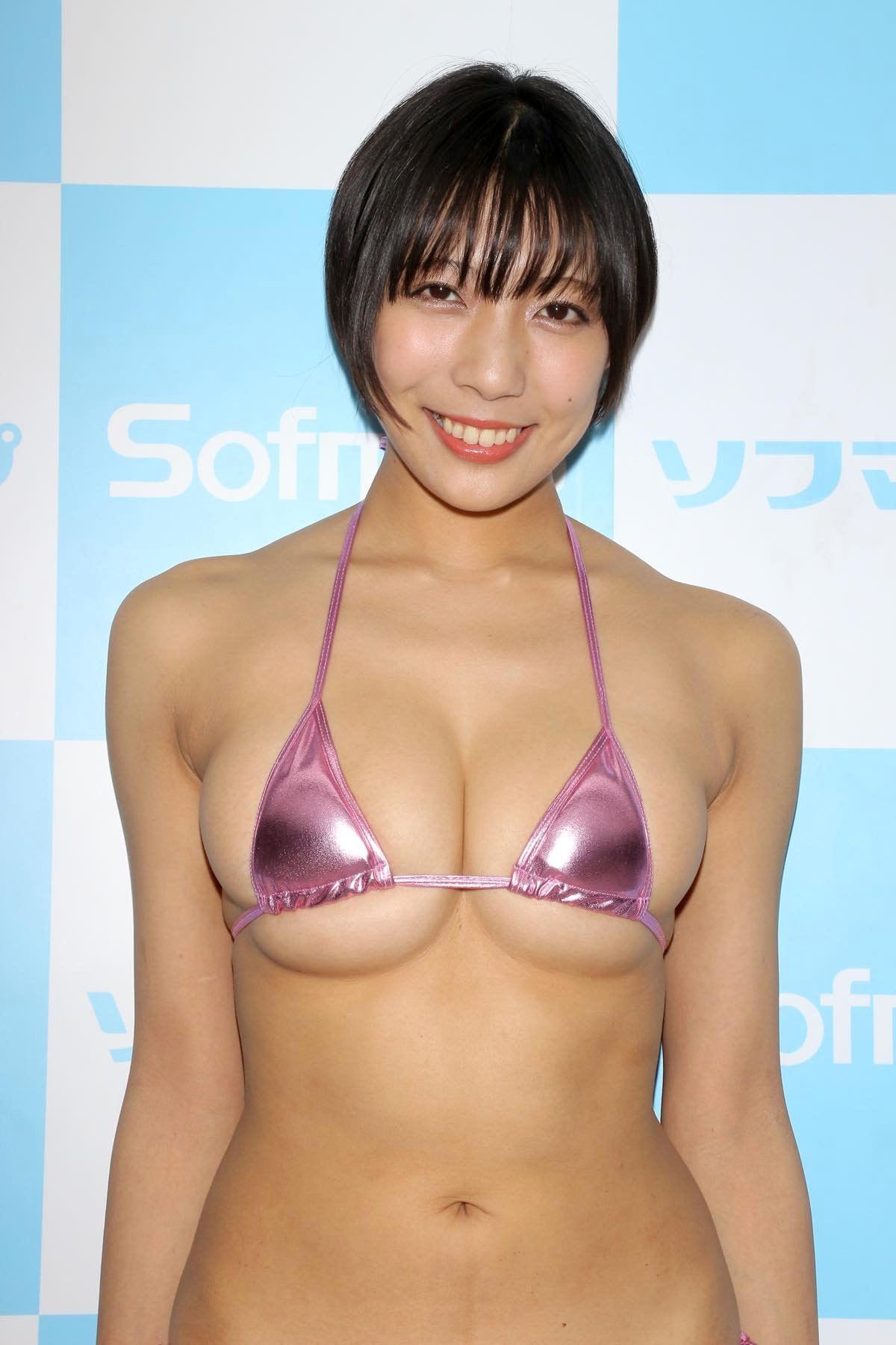 麻倉まりなのグラビア水着ビキニ画像010