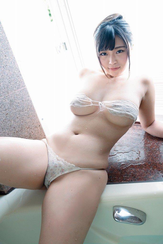 芦屋芽依のグラビア水着ビキニ画像7