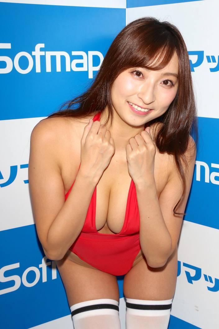 """森咲智美が3位、1位は誰!? """"水着グラビア""""12月の人気ランキングの画像005"""