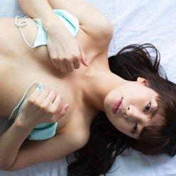 取締役Hカップ・水池愛香「ビキニを外してどうする気?」眠れなくなる過激な手ブラの画像