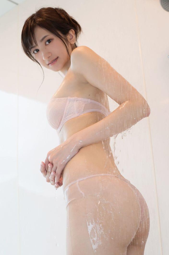 8位 外崎梨香「スレンダー巨乳」完璧ボディがびしょ濡れ!【写真15枚】