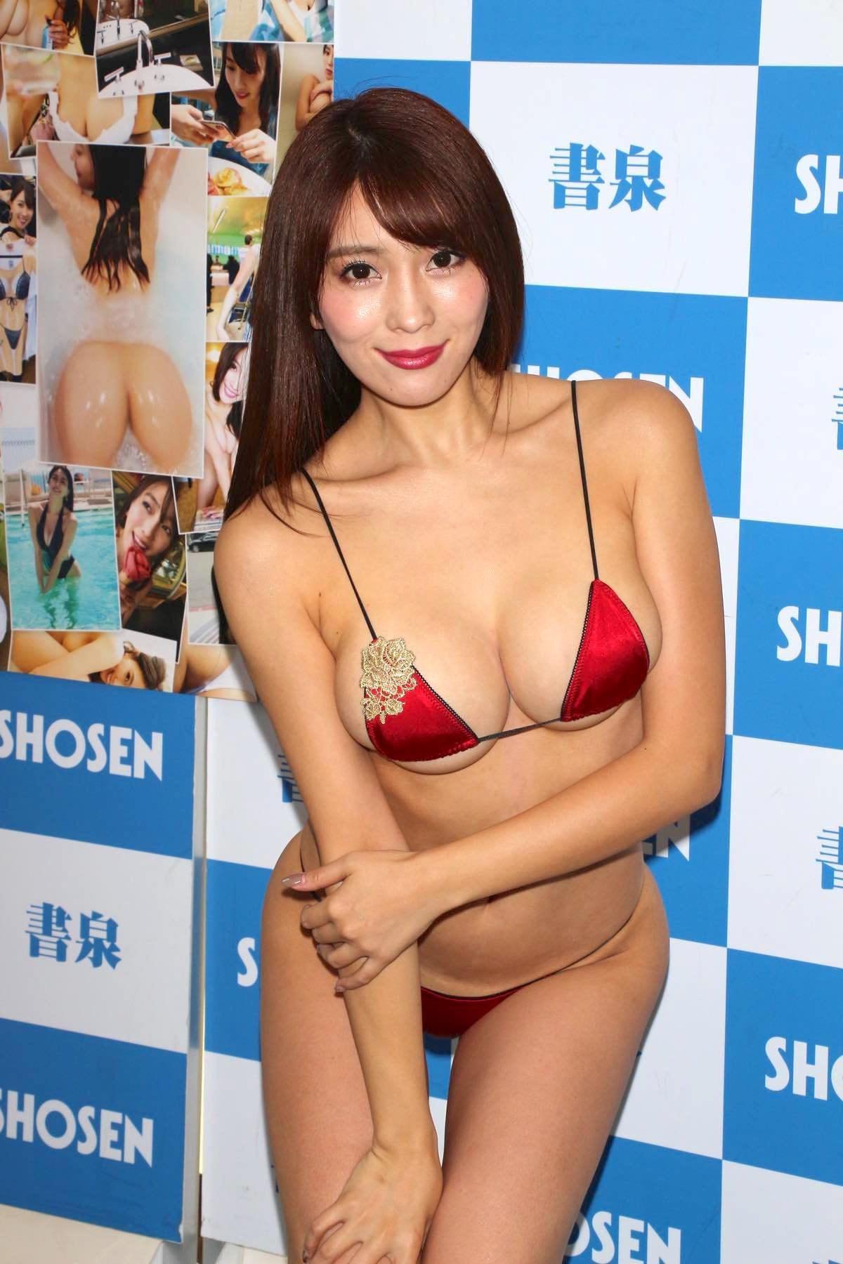 森咲智美の水着画像15