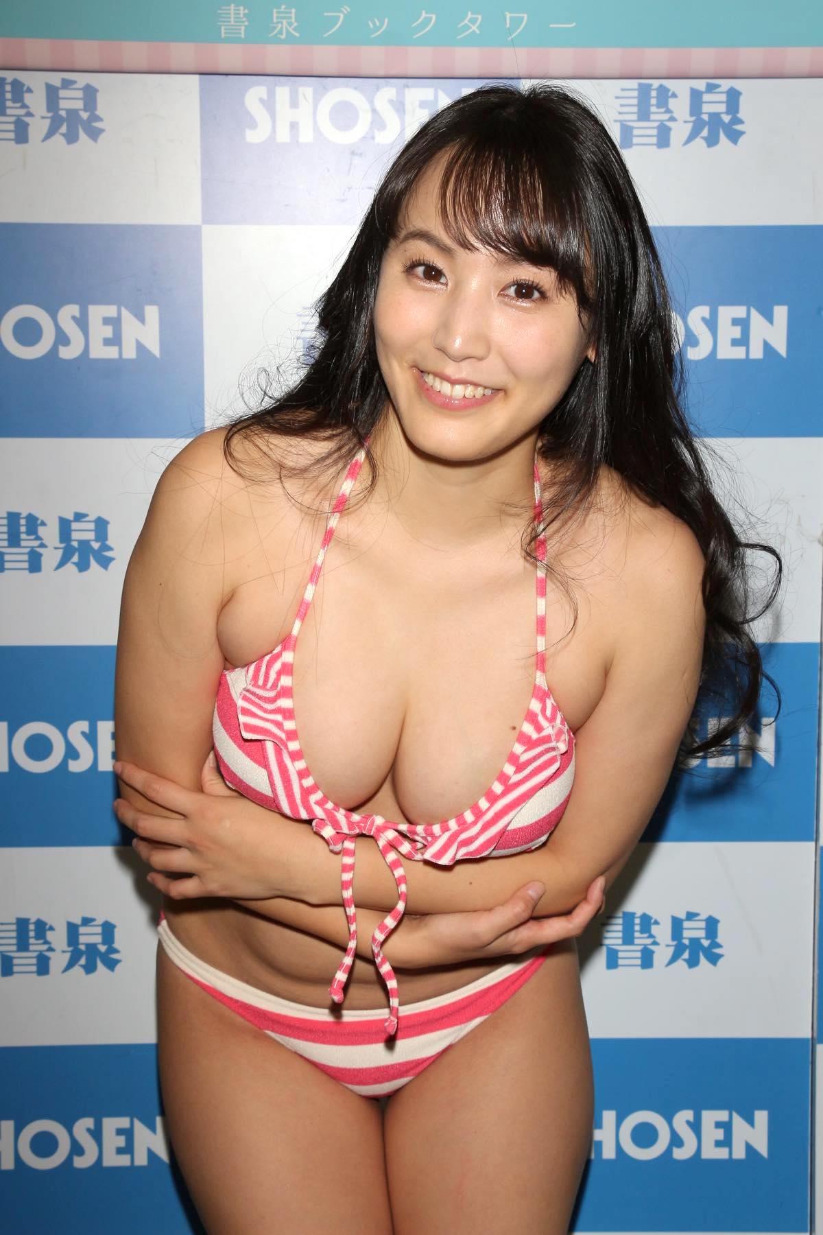 浜田由梨のグラビア水着ビキニ画像031
