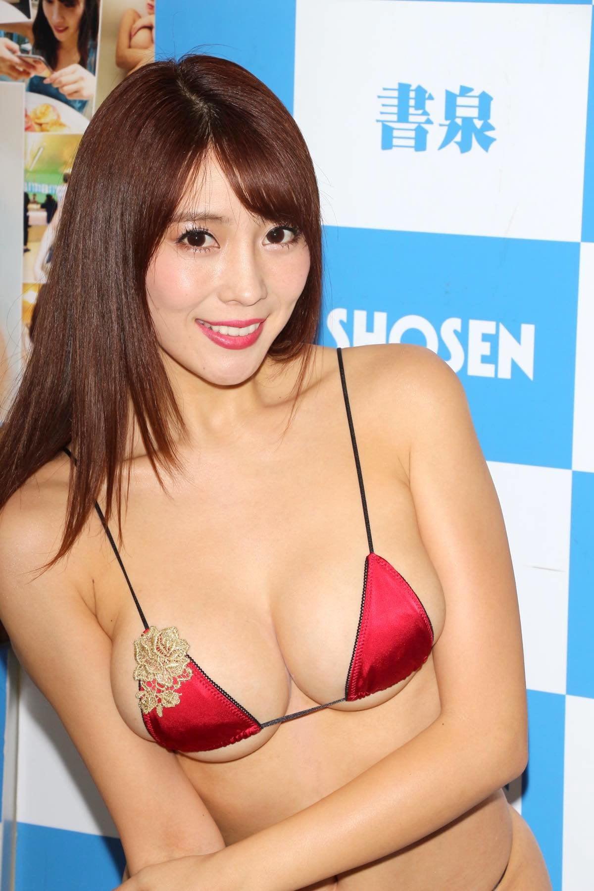 森咲智美の水着画像16